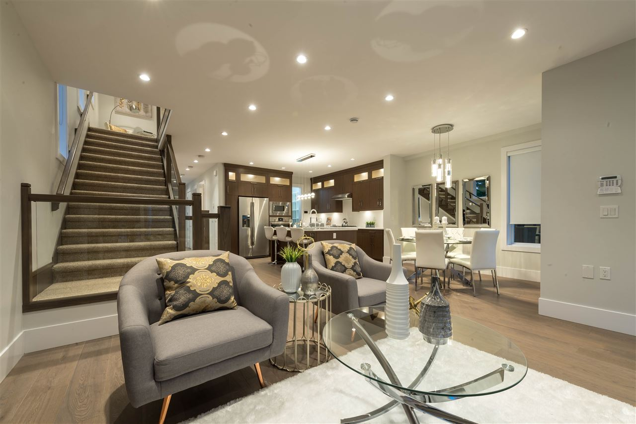 Detached at 360 W 20TH STREET, North Vancouver, British Columbia. Image 4