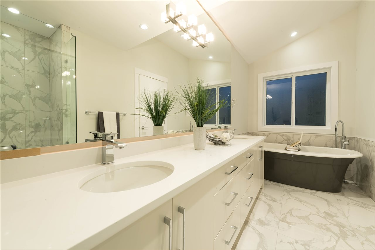 Detached at 360 W 20TH STREET, North Vancouver, British Columbia. Image 11