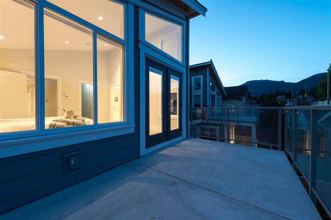 Detached at 360 W 20TH STREET, North Vancouver, British Columbia. Image 12