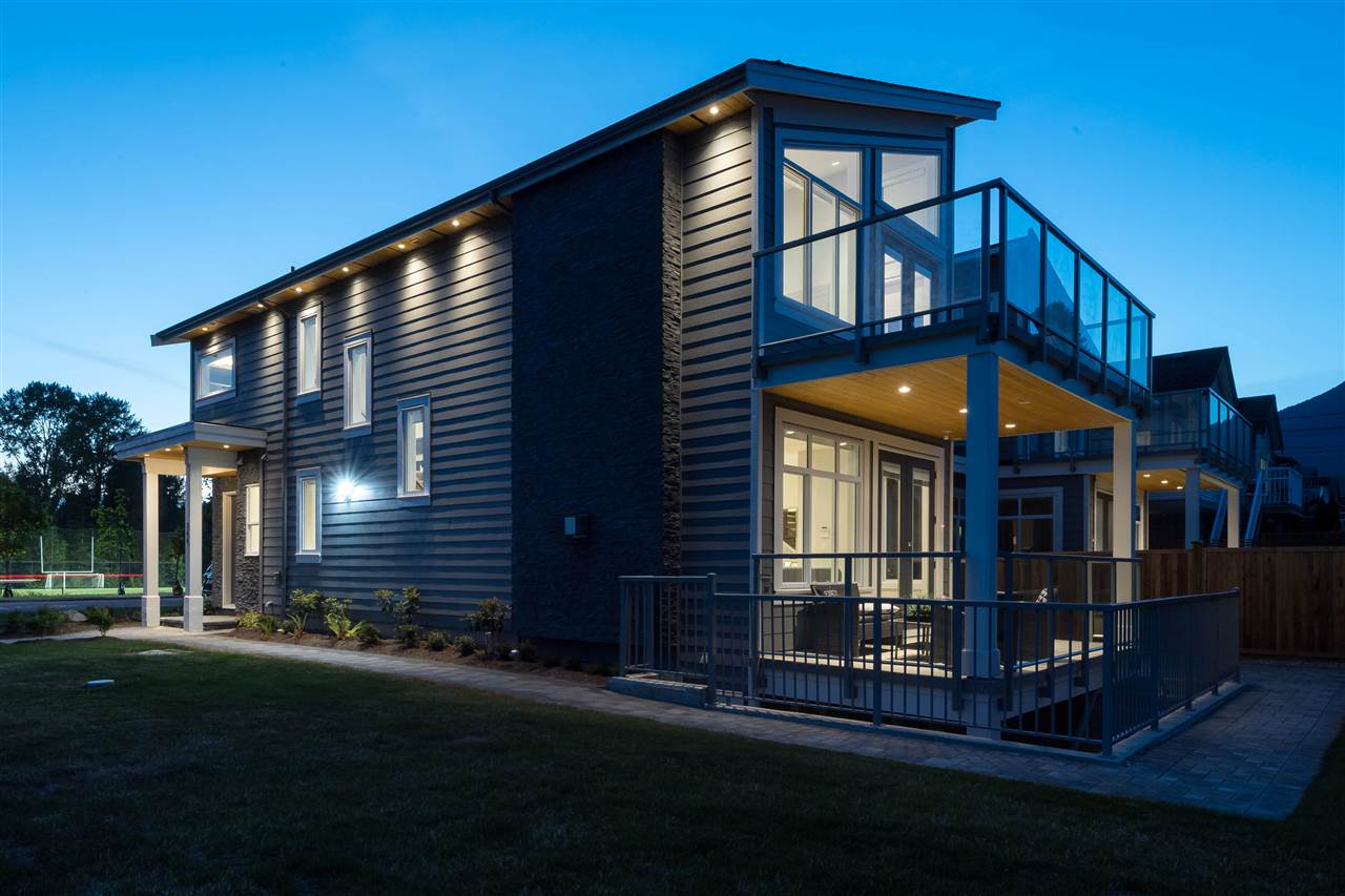 Detached at 360 W 20TH STREET, North Vancouver, British Columbia. Image 13