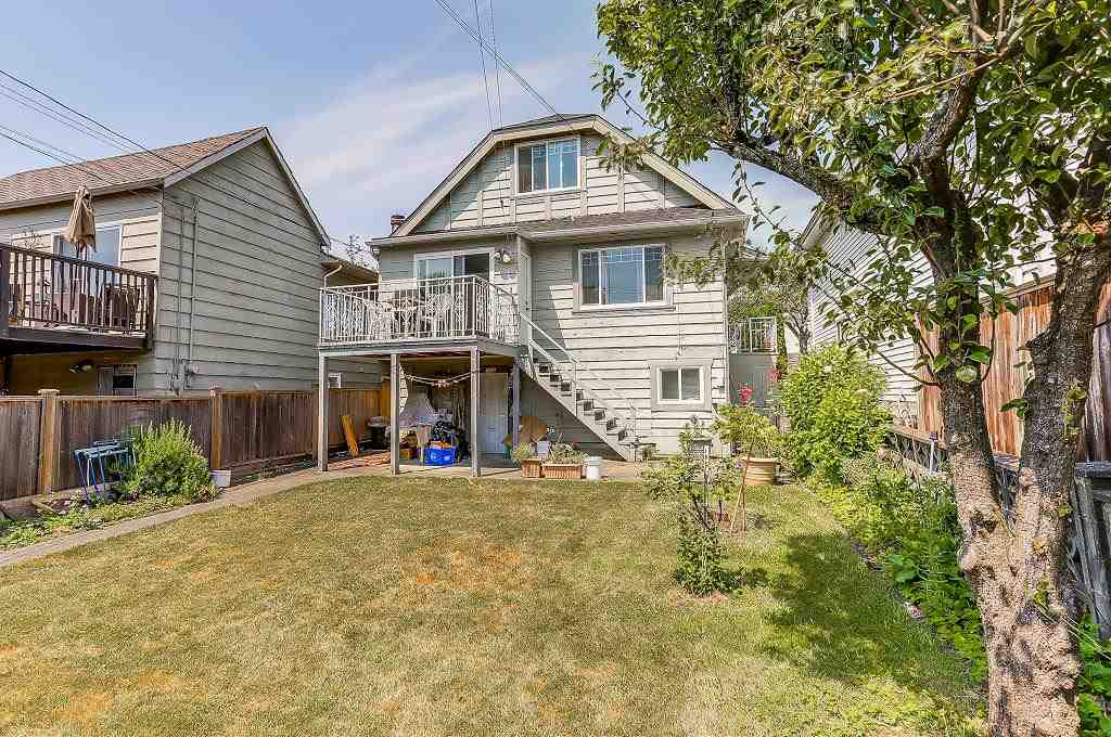 Detached at 1608 W 64 AVENUE, Vancouver West, British Columbia. Image 17