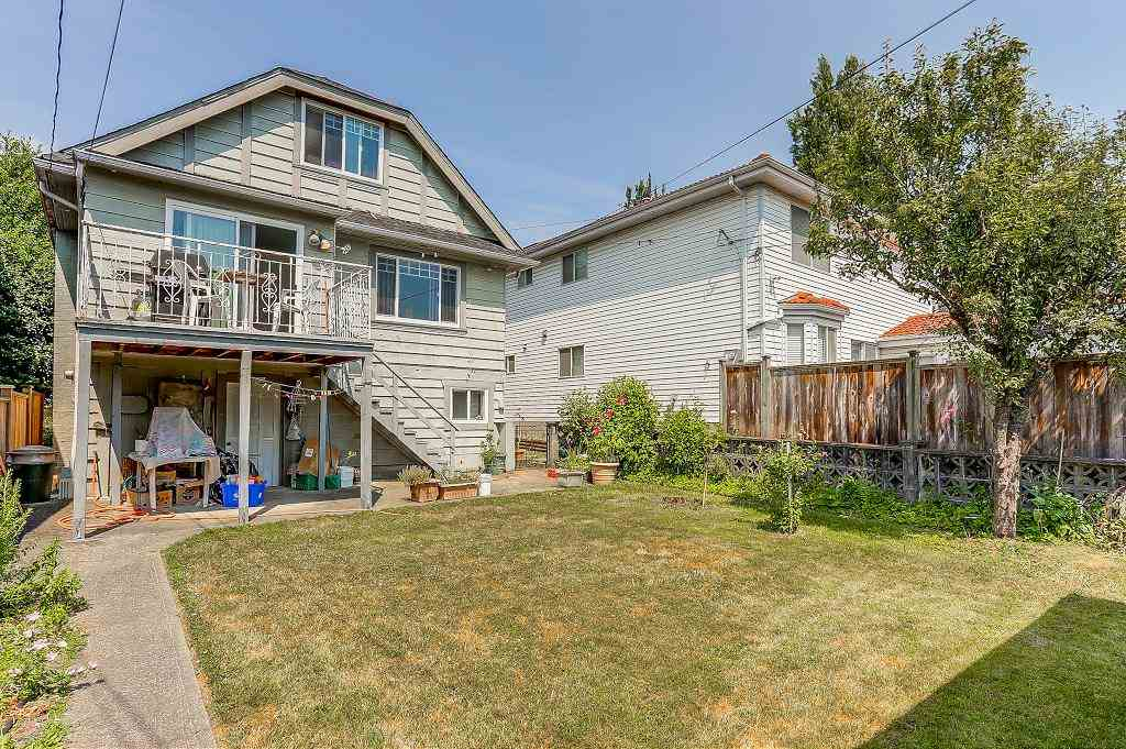 Detached at 1608 W 64 AVENUE, Vancouver West, British Columbia. Image 18