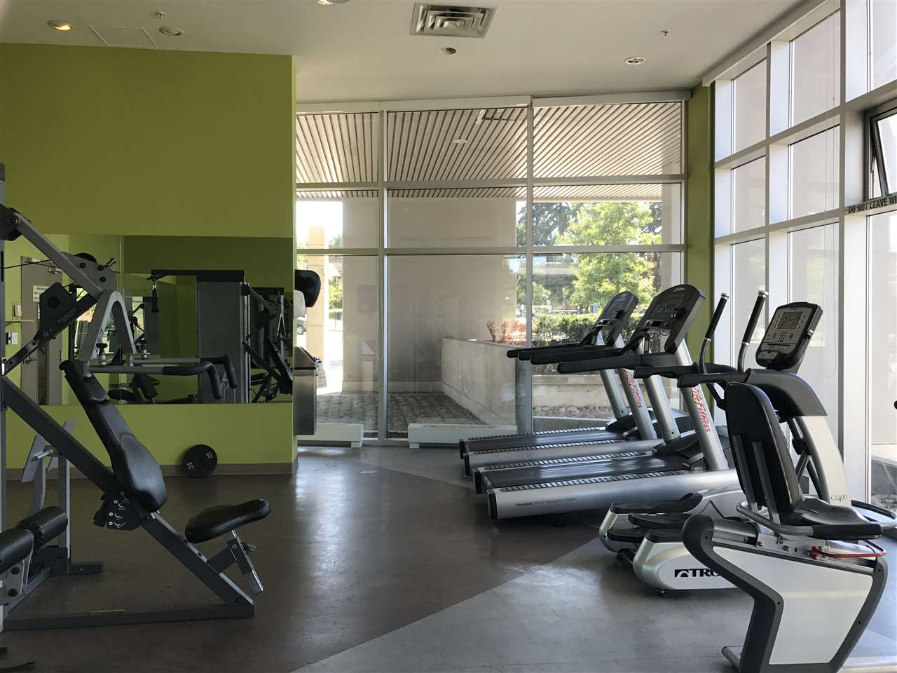 Condo Apartment at 2909 13618 100 AVENUE, Unit 2909, North Surrey, British Columbia. Image 6