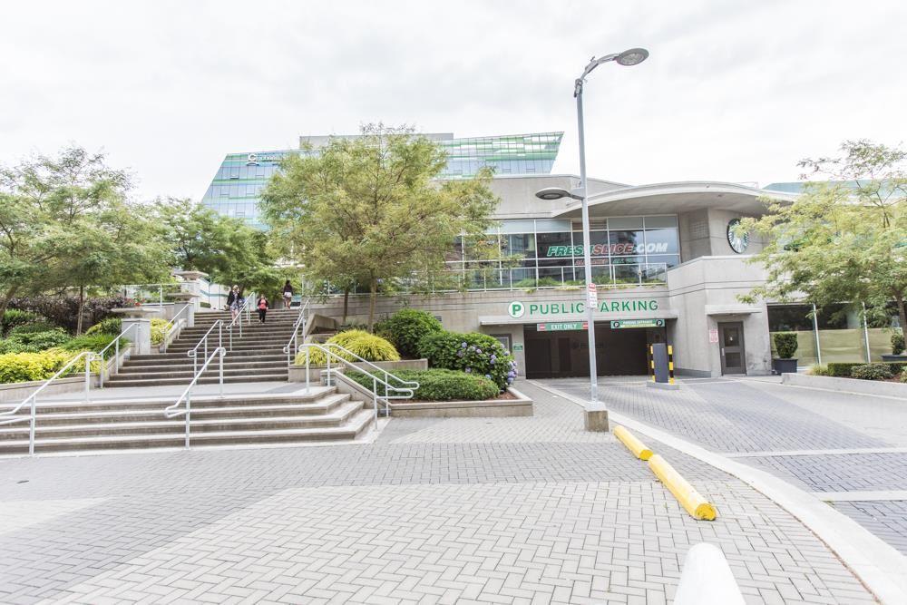 Condo Apartment at 2909 13618 100 AVENUE, Unit 2909, North Surrey, British Columbia. Image 7
