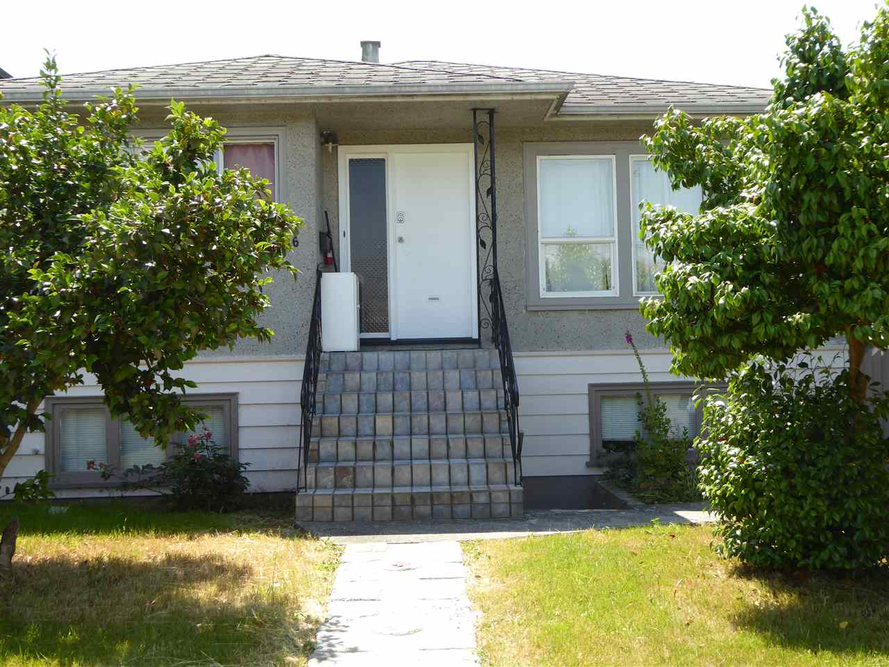 Detached at 2096 E 41ST AVENUE, Vancouver East, British Columbia. Image 1