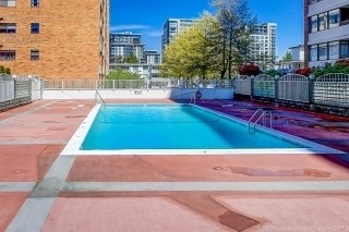 Condo Apartment at 1605 6631 MINORU BOULEVARD, Unit 1605, Richmond, British Columbia. Image 3