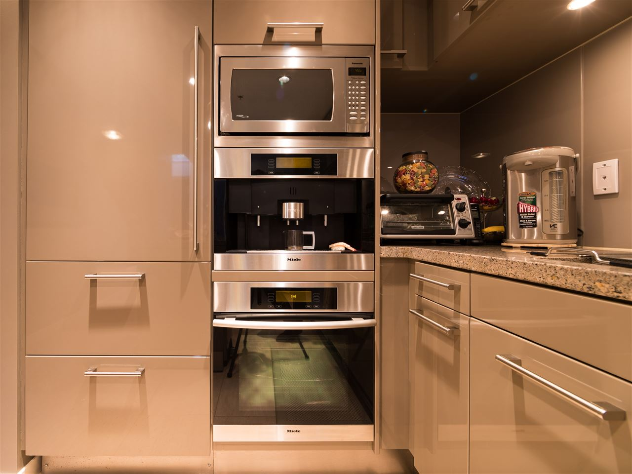 Condo Apartment at TH8 5991 WALTER GAGE ROAD, Unit TH8, Vancouver West, British Columbia. Image 10