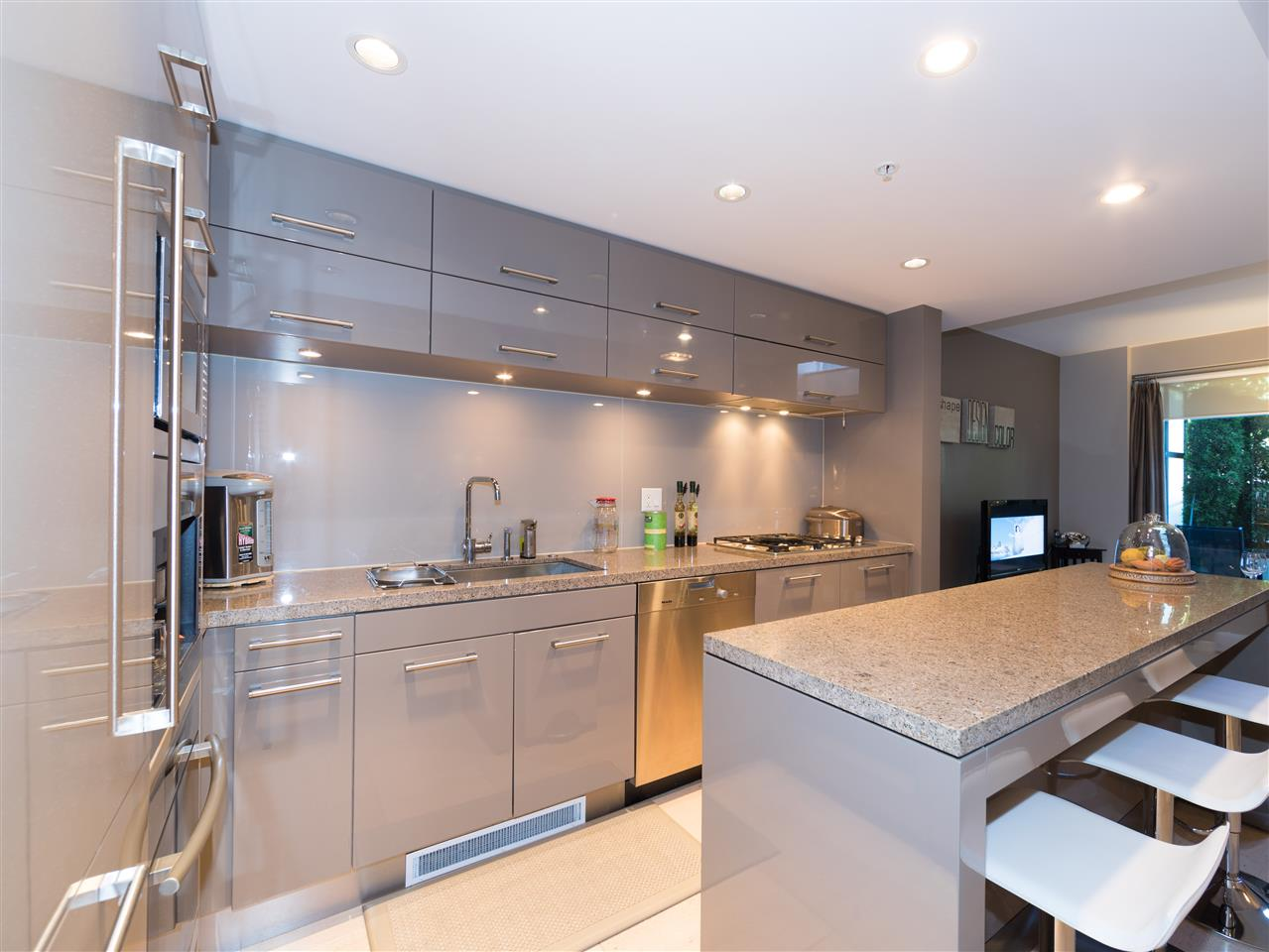 Condo Apartment at TH8 5991 WALTER GAGE ROAD, Unit TH8, Vancouver West, British Columbia. Image 12