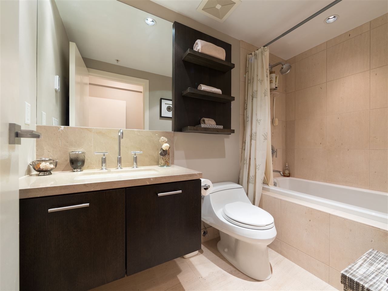 Condo Apartment at TH8 5991 WALTER GAGE ROAD, Unit TH8, Vancouver West, British Columbia. Image 18