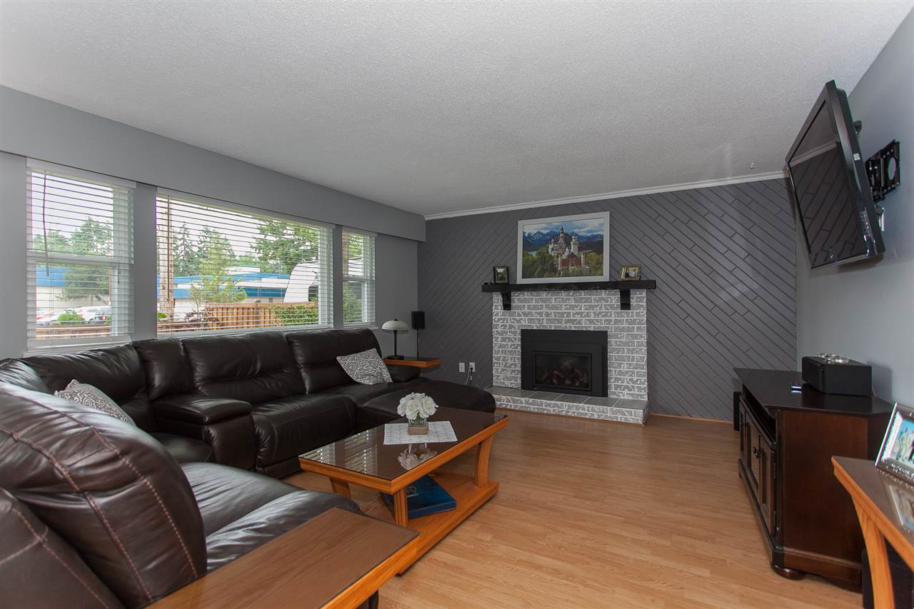 Detached at 20389 40 AVENUE, Langley, British Columbia. Image 4