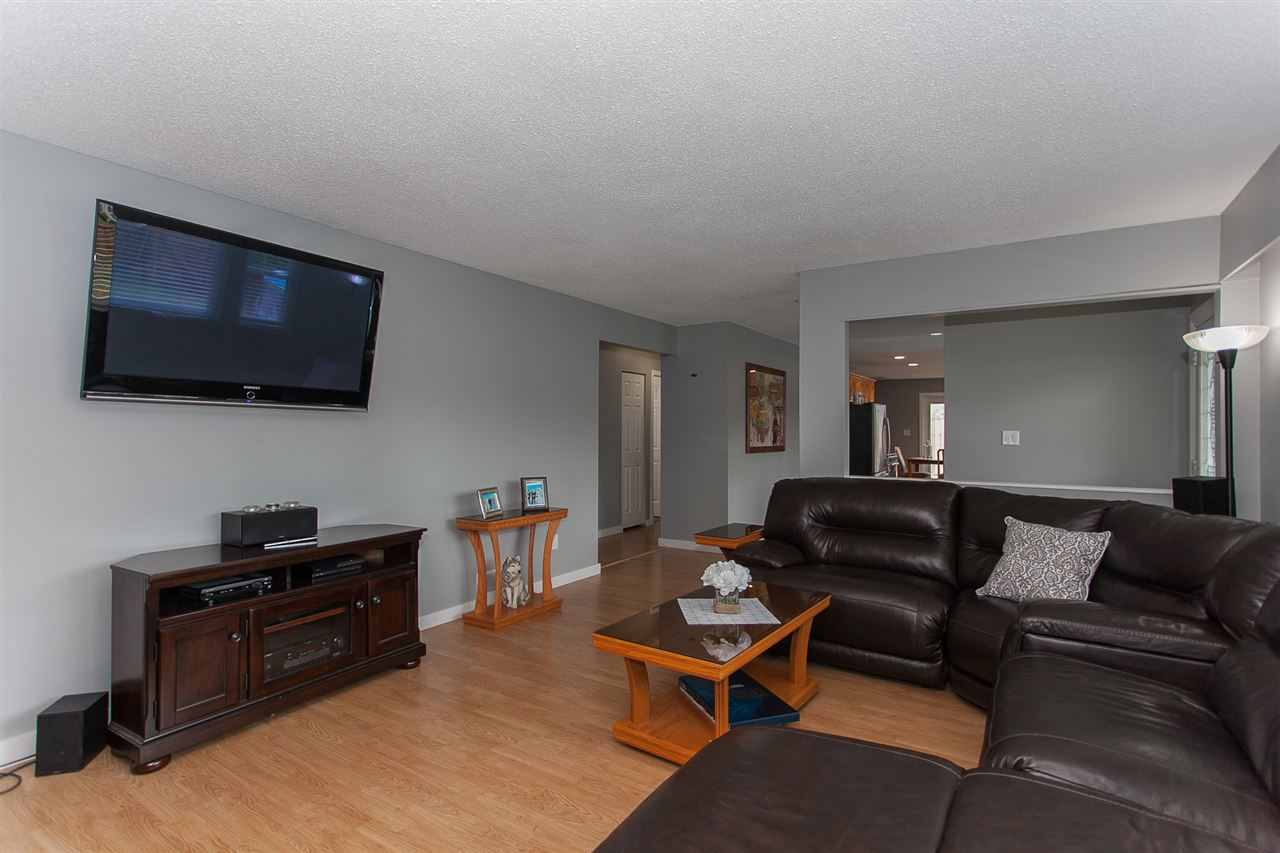 Detached at 20389 40 AVENUE, Langley, British Columbia. Image 5