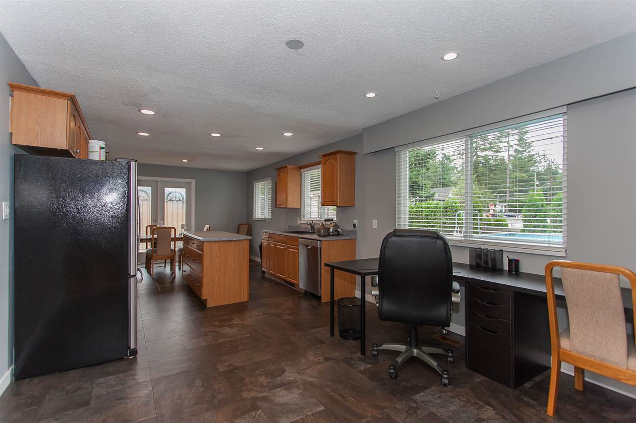 Detached at 20389 40 AVENUE, Langley, British Columbia. Image 6