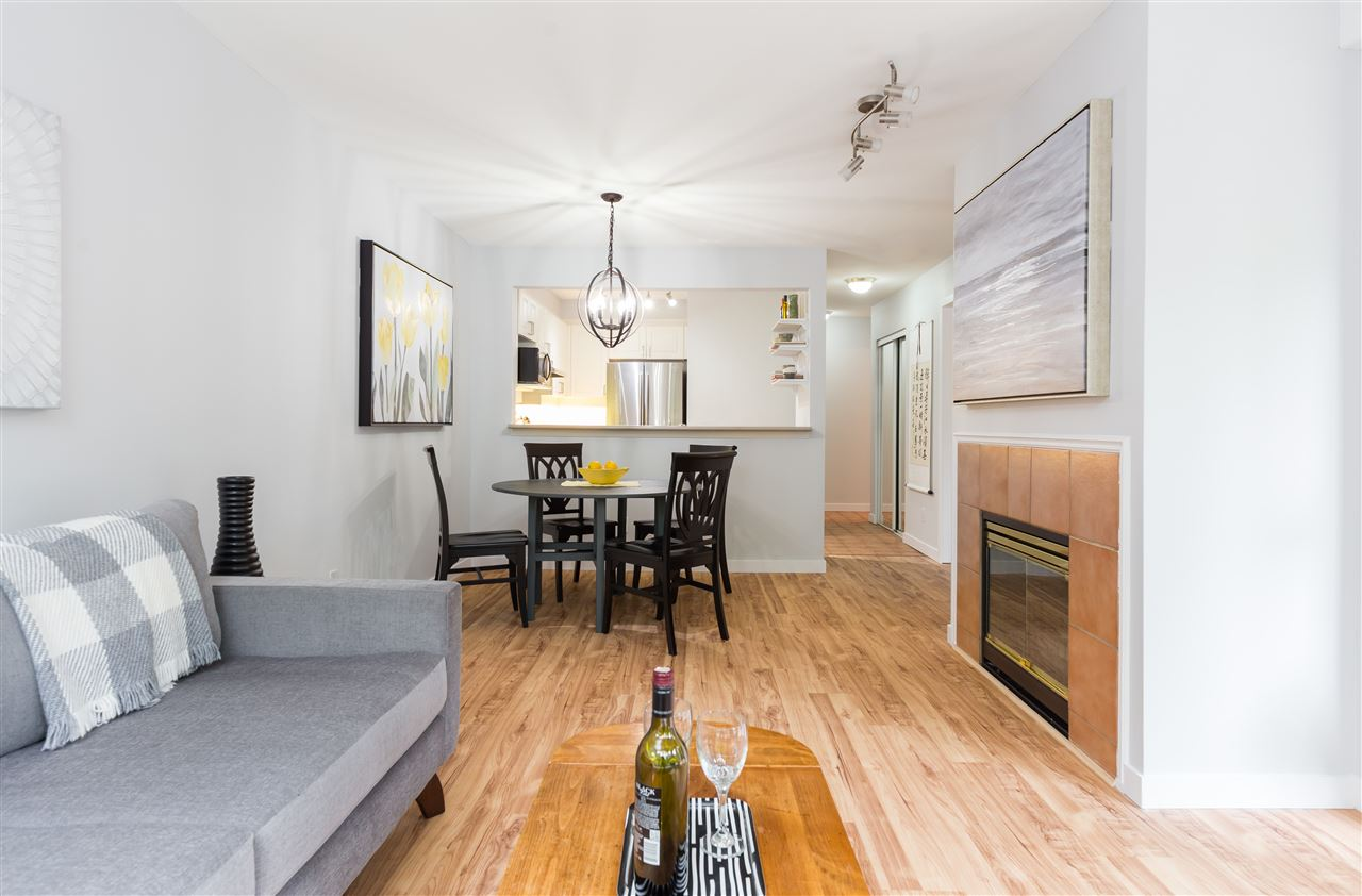 Condo Apartment at 201 2140 W 12TH AVENUE, Unit 201, Vancouver West, British Columbia. Image 4