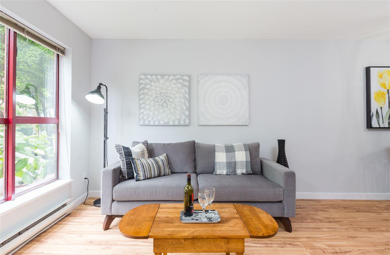 Condo Apartment at 201 2140 W 12TH AVENUE, Unit 201, Vancouver West, British Columbia. Image 5