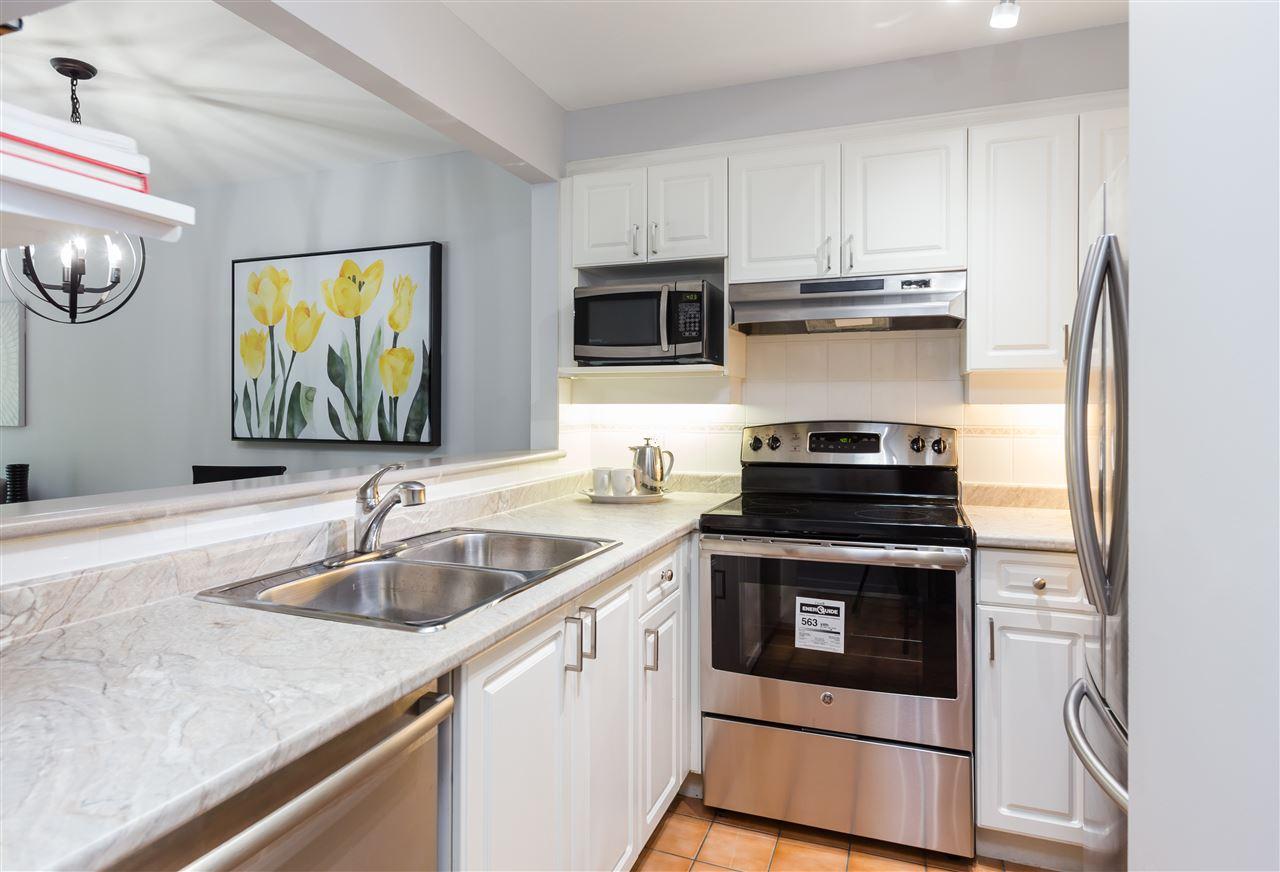 Condo Apartment at 201 2140 W 12TH AVENUE, Unit 201, Vancouver West, British Columbia. Image 7