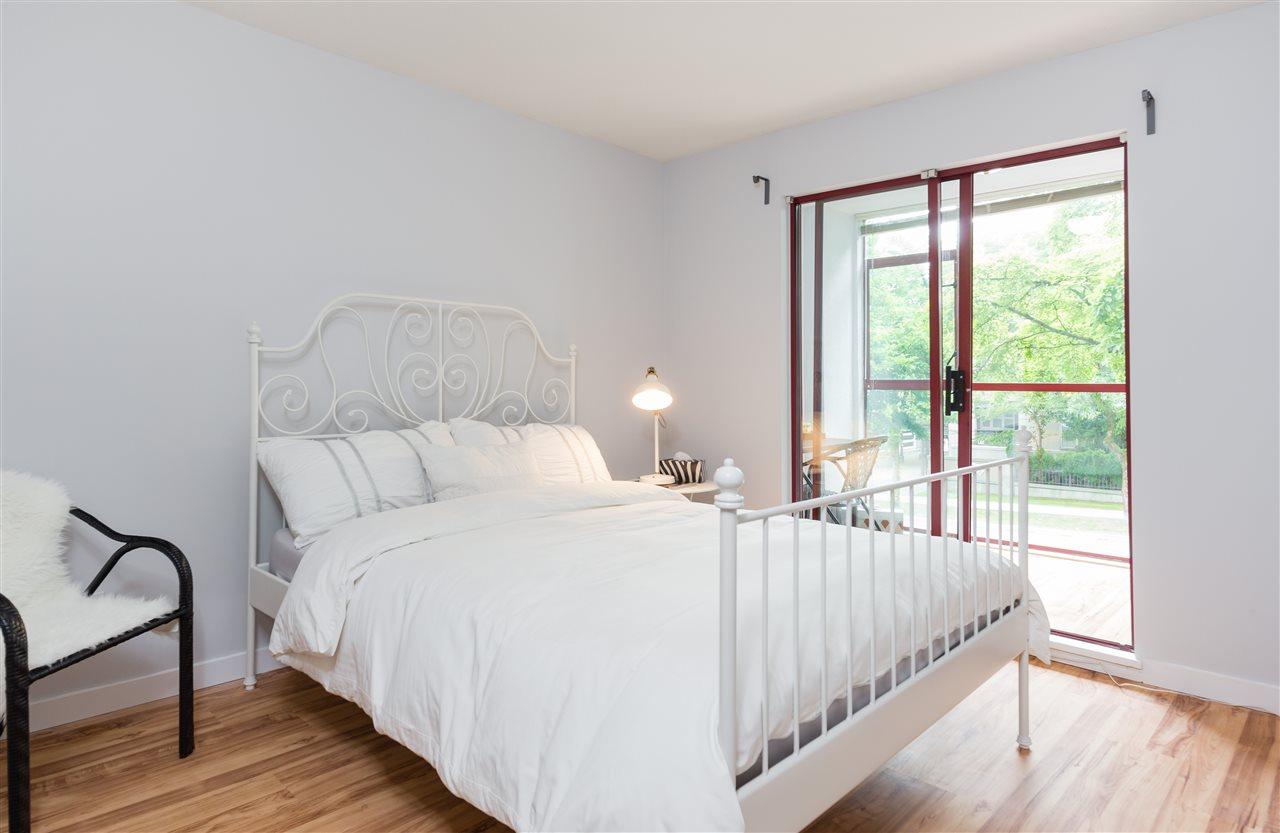 Condo Apartment at 201 2140 W 12TH AVENUE, Unit 201, Vancouver West, British Columbia. Image 8
