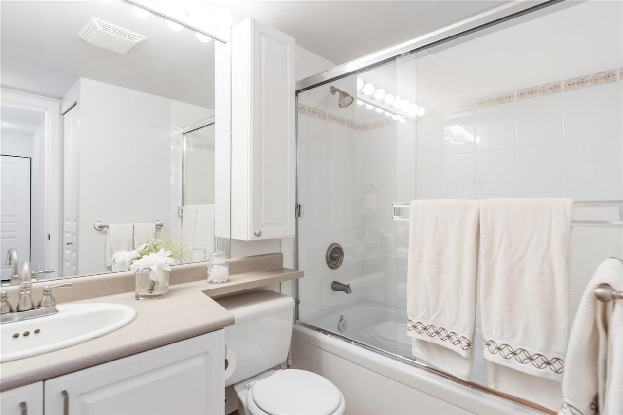 Condo Apartment at 201 2140 W 12TH AVENUE, Unit 201, Vancouver West, British Columbia. Image 9