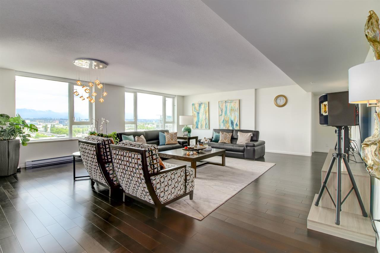 Condo Apartment at 1803 7888 ACKROYD ROAD, Unit 1803, Richmond, British Columbia. Image 3