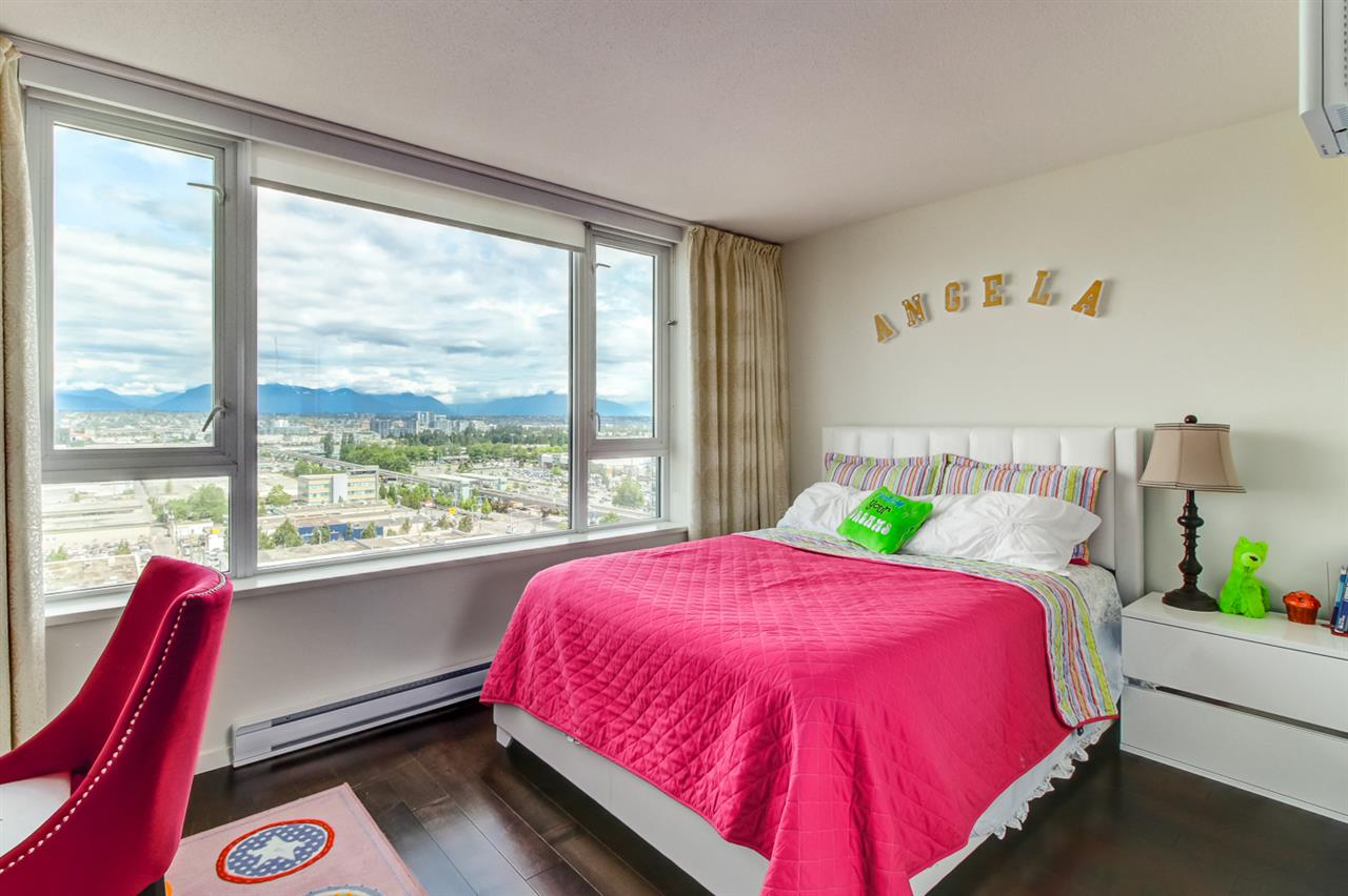 Condo Apartment at 1803 7888 ACKROYD ROAD, Unit 1803, Richmond, British Columbia. Image 13