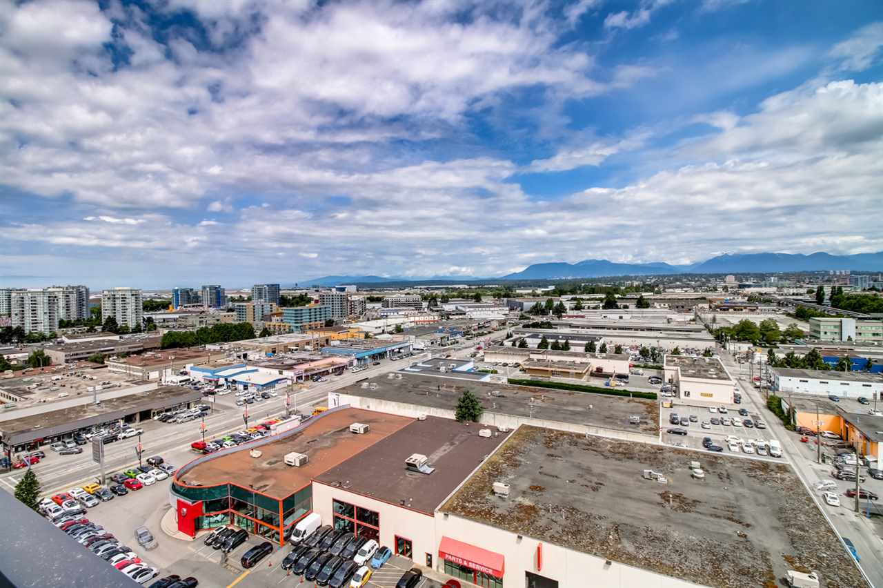 Condo Apartment at 1803 7888 ACKROYD ROAD, Unit 1803, Richmond, British Columbia. Image 17