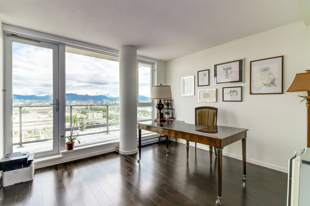 Condo Apartment at 1805 7888 ACKROYD ROAD, Unit 1805, Richmond, British Columbia. Image 10
