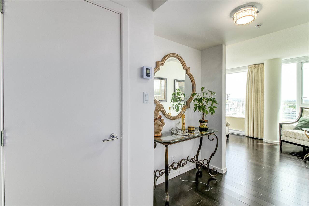 Condo Apartment at 1805 7888 ACKROYD ROAD, Unit 1805, Richmond, British Columbia. Image 11