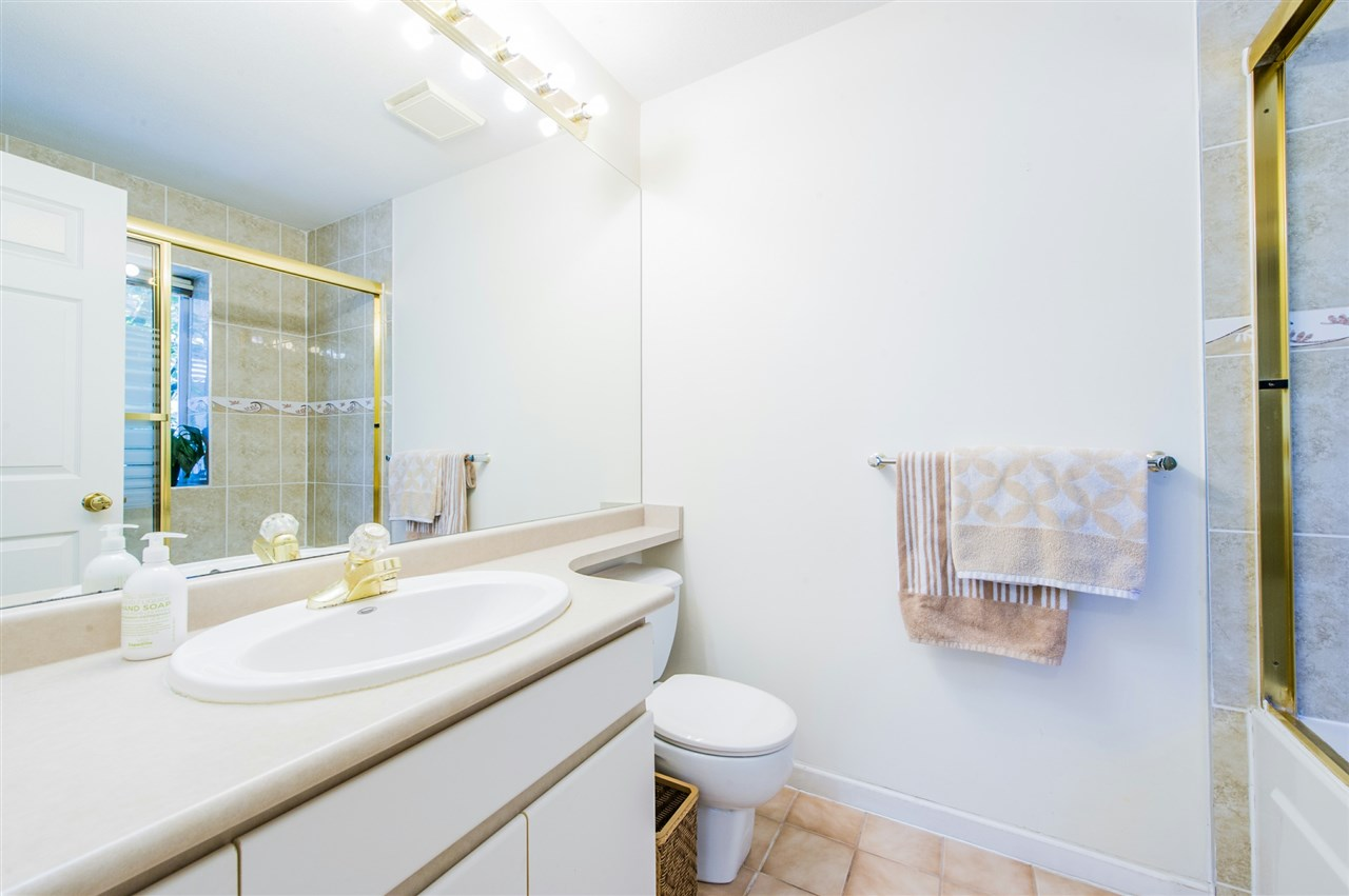 Townhouse at 10 5820 DOVER CRESCENT, Unit 10, Richmond, British Columbia. Image 12