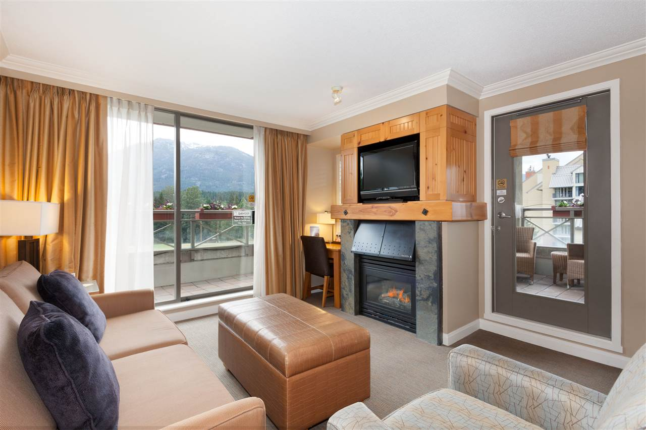 Condo Apartment at 356 4090 WHISTLER WAY, Unit 356, Whistler, British Columbia. Image 2