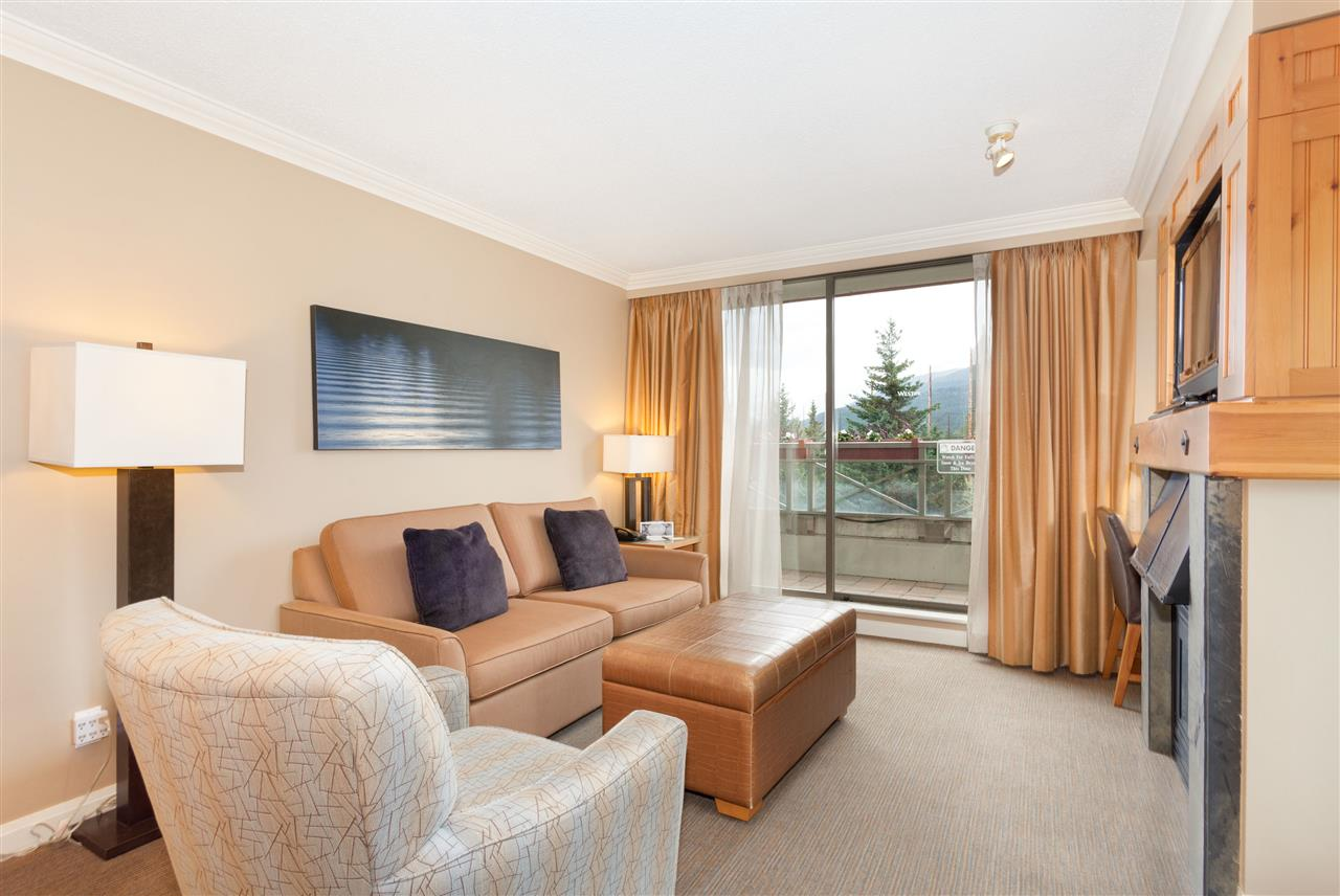 Condo Apartment at 356 4090 WHISTLER WAY, Unit 356, Whistler, British Columbia. Image 3