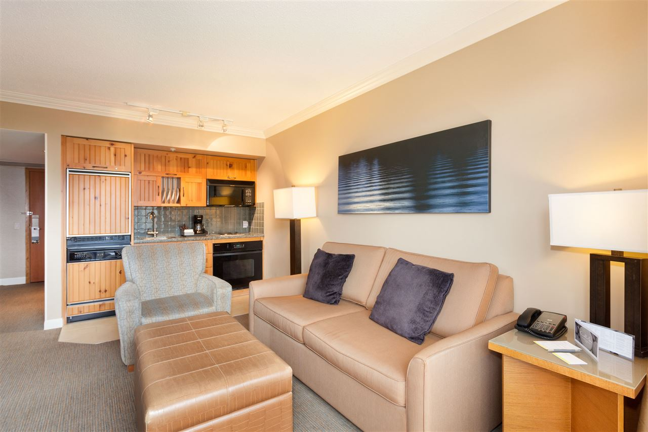 Condo Apartment at 356 4090 WHISTLER WAY, Unit 356, Whistler, British Columbia. Image 4