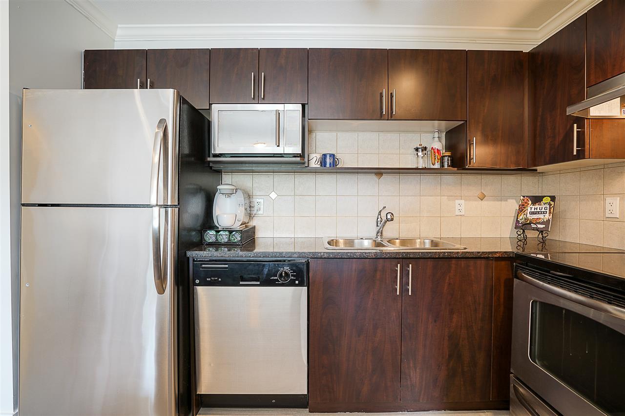 Condo Apartment at 316 17769 57 AVENUE, Unit 316, Cloverdale, British Columbia. Image 6