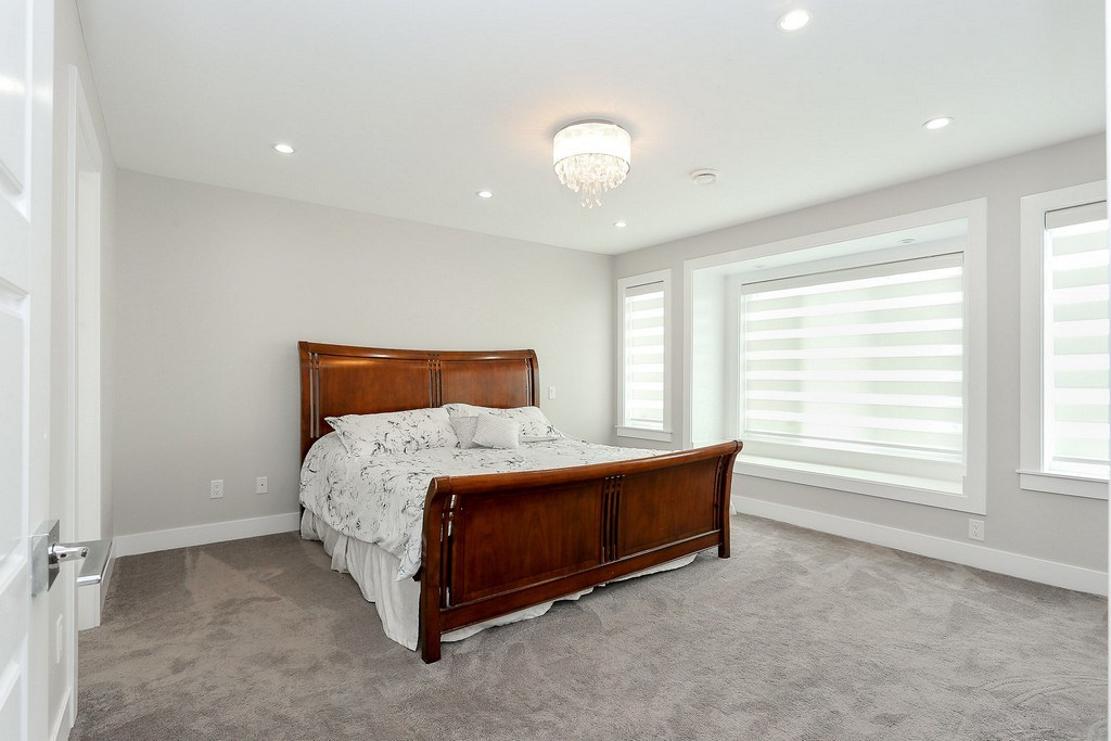 Detached at 5626 RUMBLE STREET, Burnaby South, British Columbia. Image 13