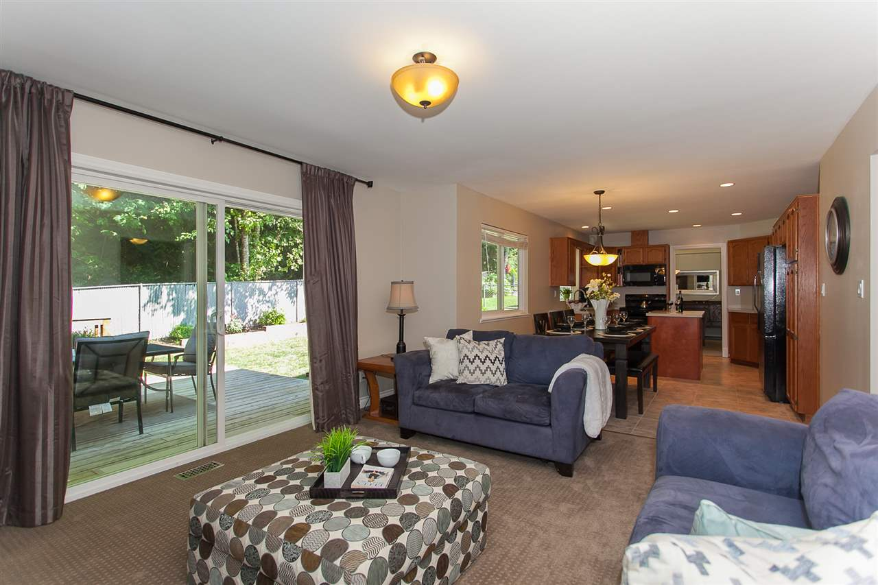 Detached at 5146 219A STREET, Langley, British Columbia. Image 3