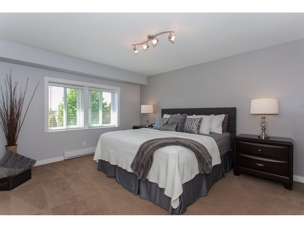 Detached at 5146 219A STREET, Langley, British Columbia. Image 12