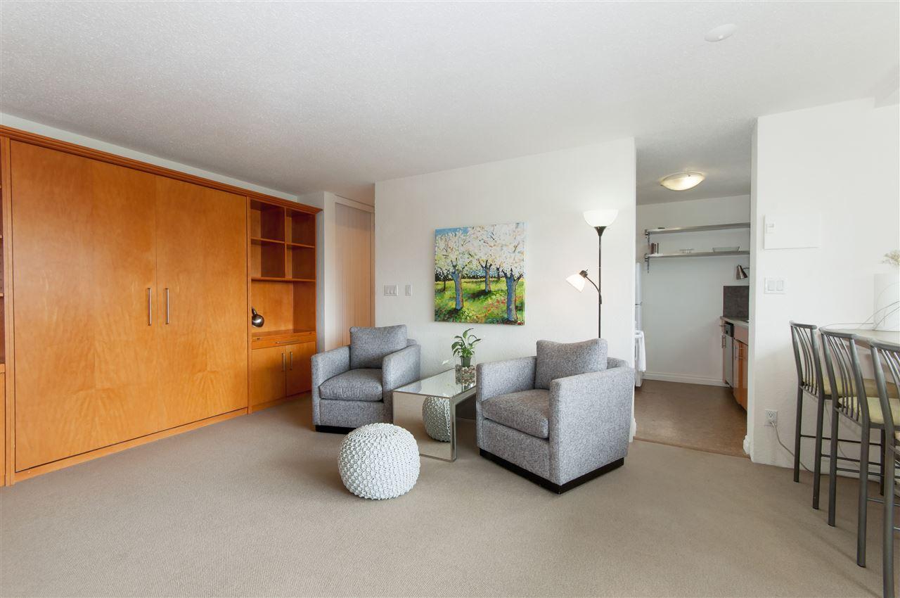 Condo Apartment at 603 555 13TH STREET, Unit 603, West Vancouver, British Columbia. Image 3
