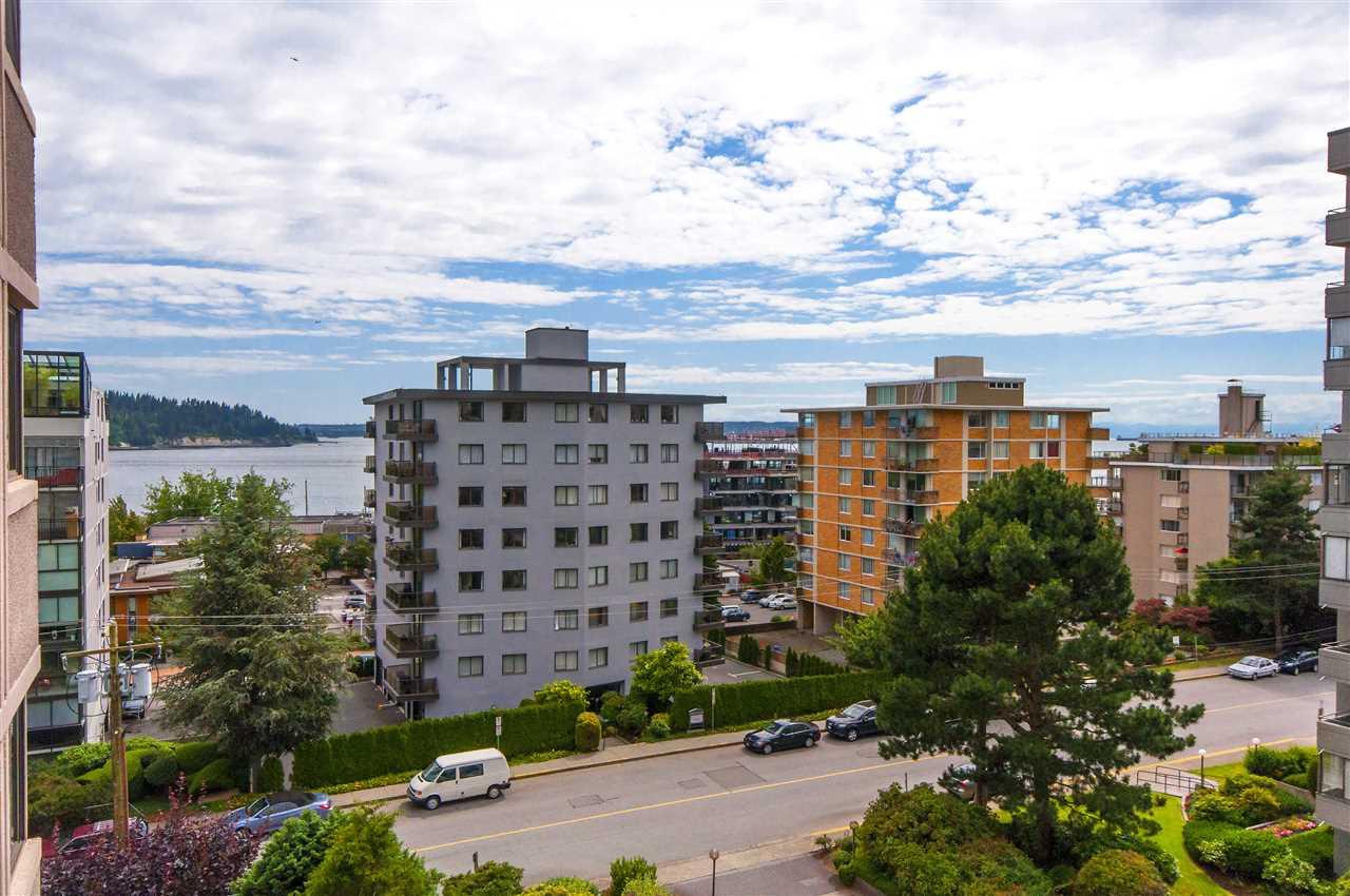 Condo Apartment at 603 555 13TH STREET, Unit 603, West Vancouver, British Columbia. Image 9