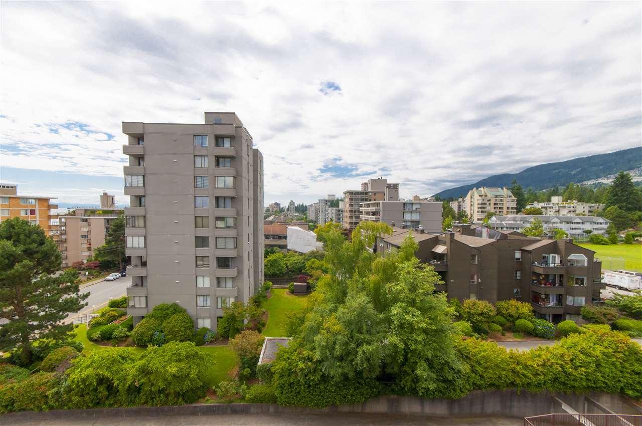 Condo Apartment at 603 555 13TH STREET, Unit 603, West Vancouver, British Columbia. Image 10