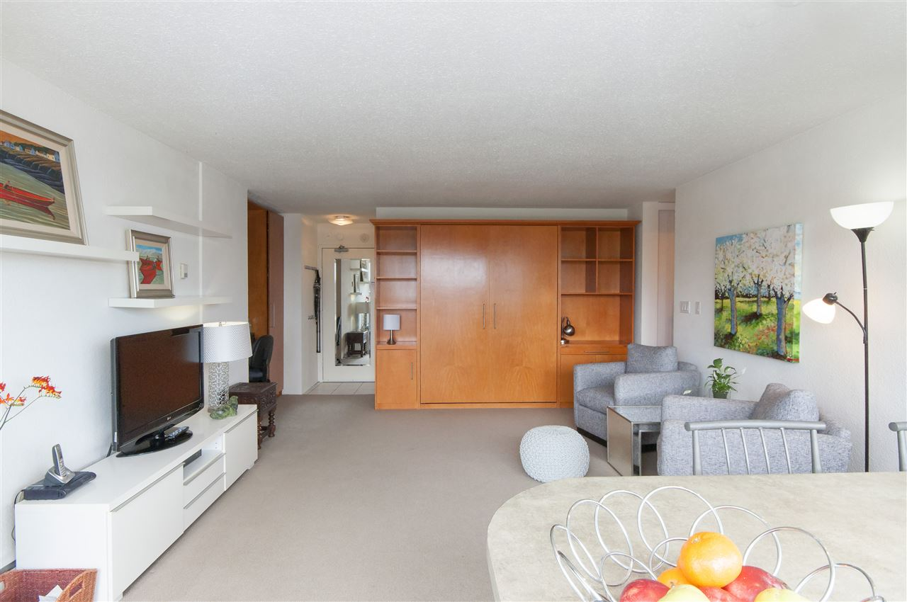 Condo Apartment at 603 555 13TH STREET, Unit 603, West Vancouver, British Columbia. Image 16