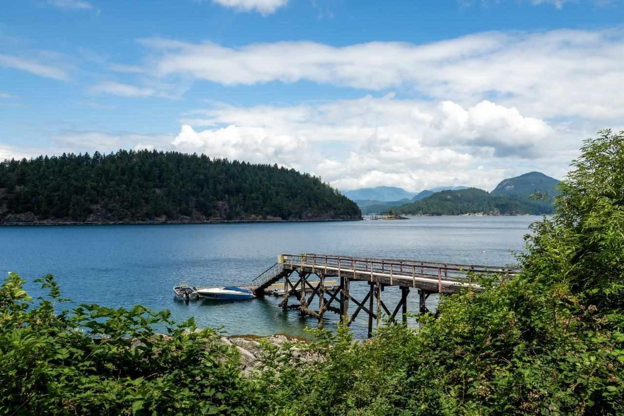 Detached at 1597 MOUNT GARDNER ROAD, Bowen Island, British Columbia. Image 17