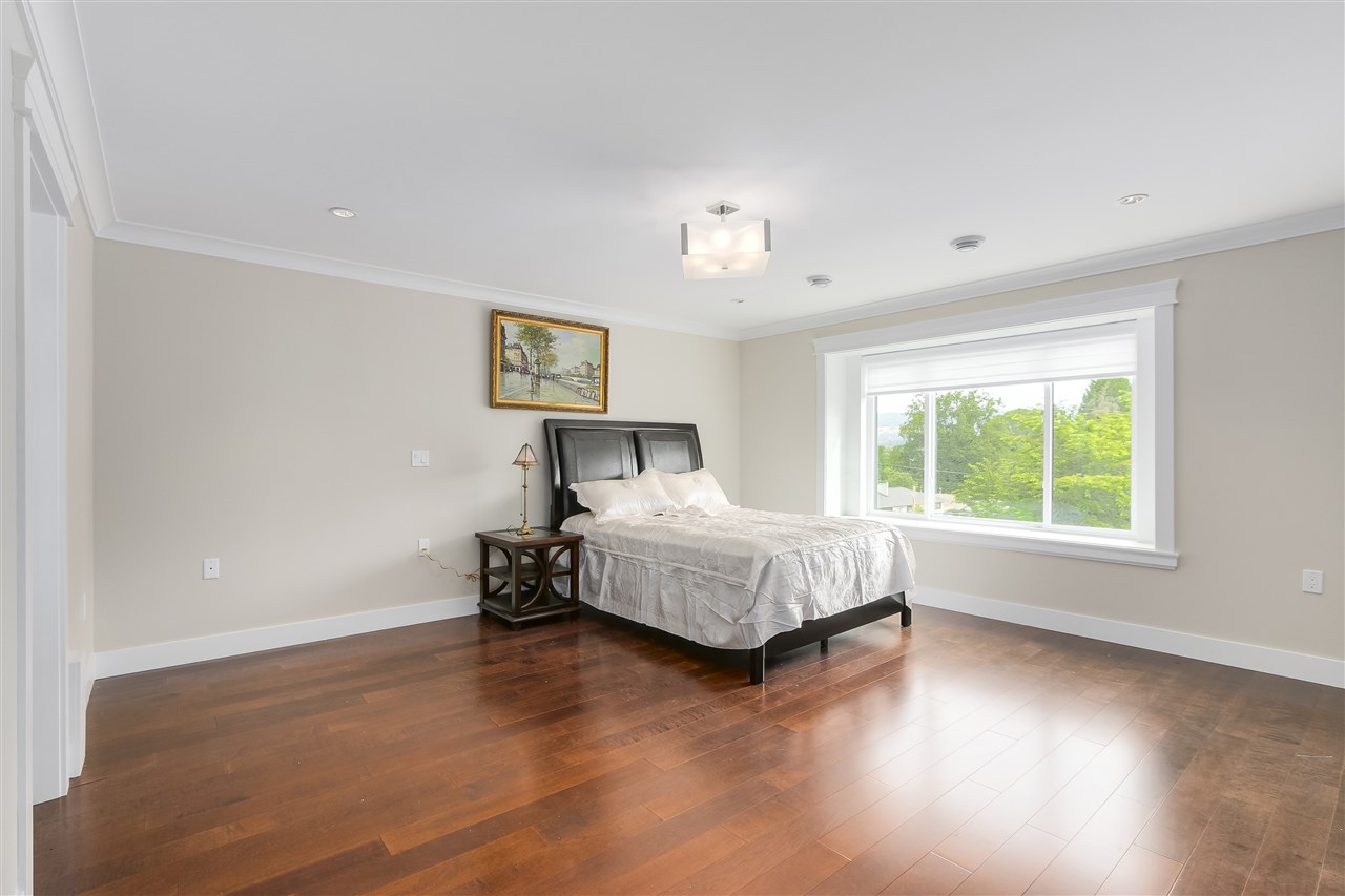 Detached at 6008 6TH STREET, Burnaby South, British Columbia. Image 13