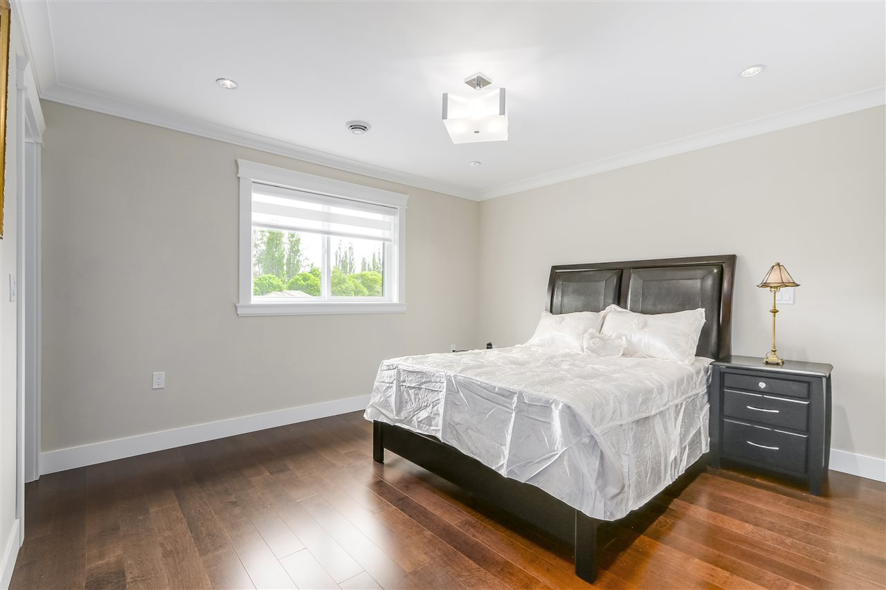 Detached at 6008 6TH STREET, Burnaby South, British Columbia. Image 16