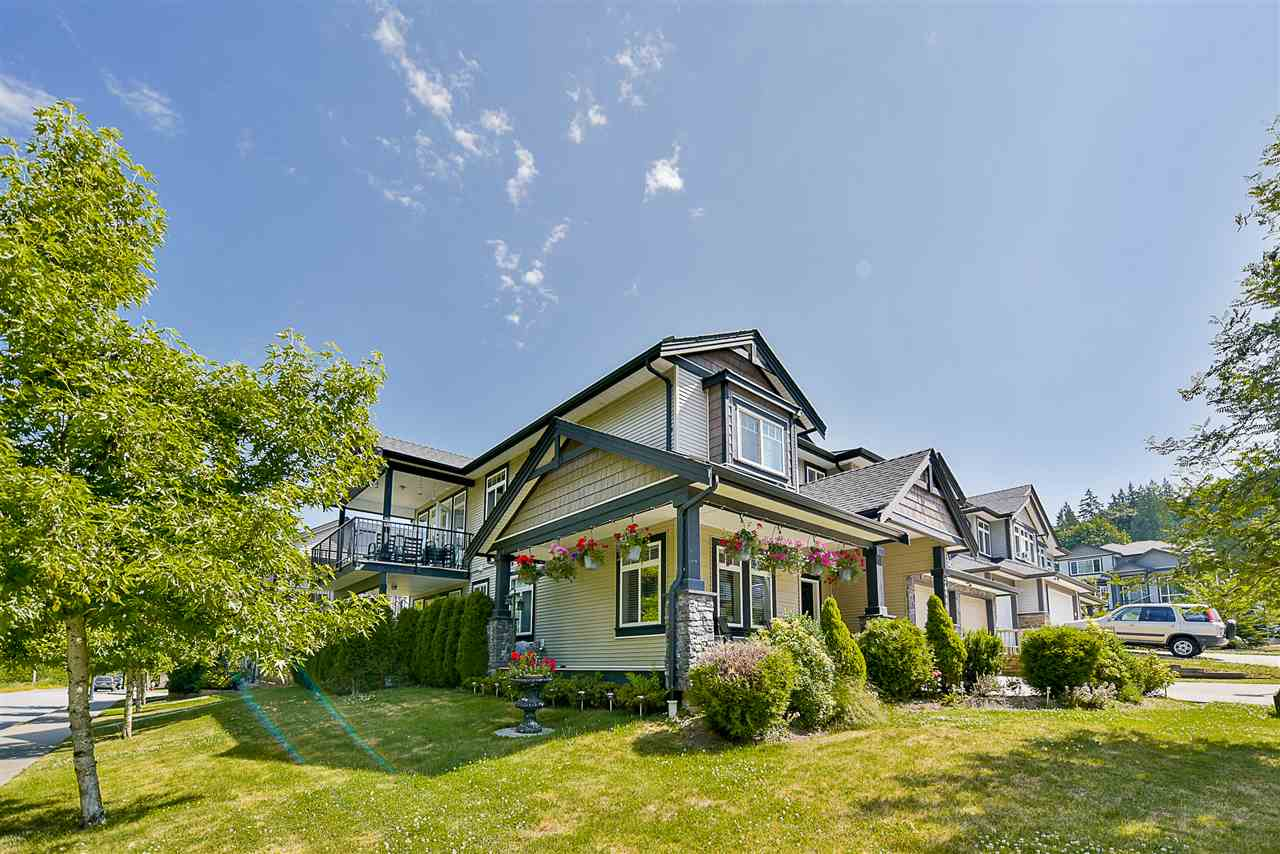 Detached at 24905 108A AVENUE, Maple Ridge, British Columbia. Image 2