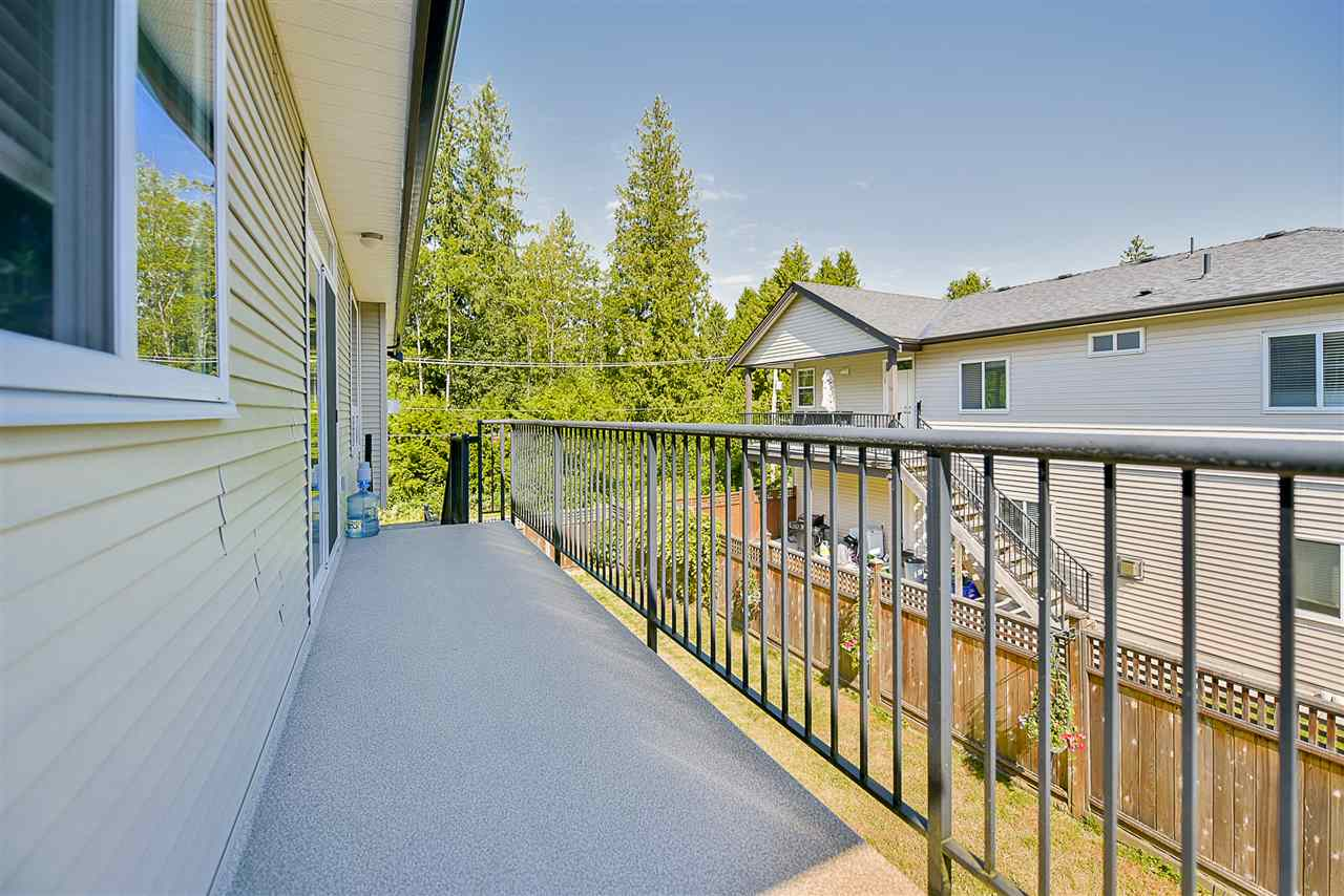 Detached at 24905 108A AVENUE, Maple Ridge, British Columbia. Image 19