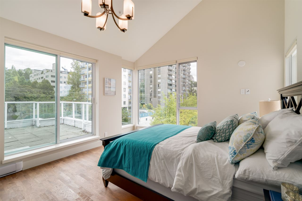 Condo Apartment at PH 1403 BEACH AVENUE, Unit PH, Vancouver West, British Columbia. Image 11