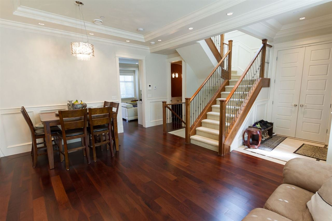 Detached at 7668 SELKIRK STREET, Vancouver West, British Columbia. Image 2