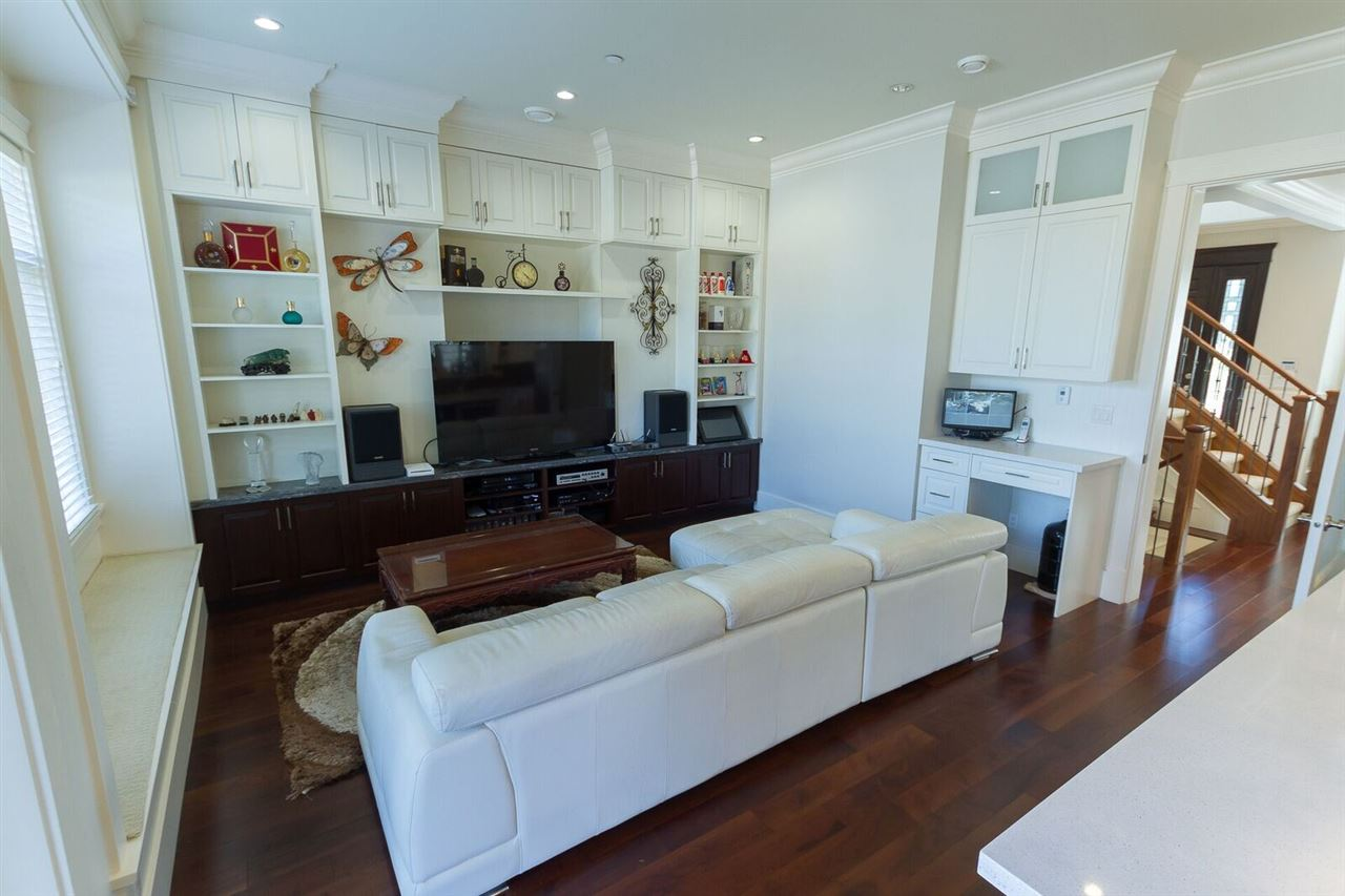 Detached at 7668 SELKIRK STREET, Vancouver West, British Columbia. Image 6