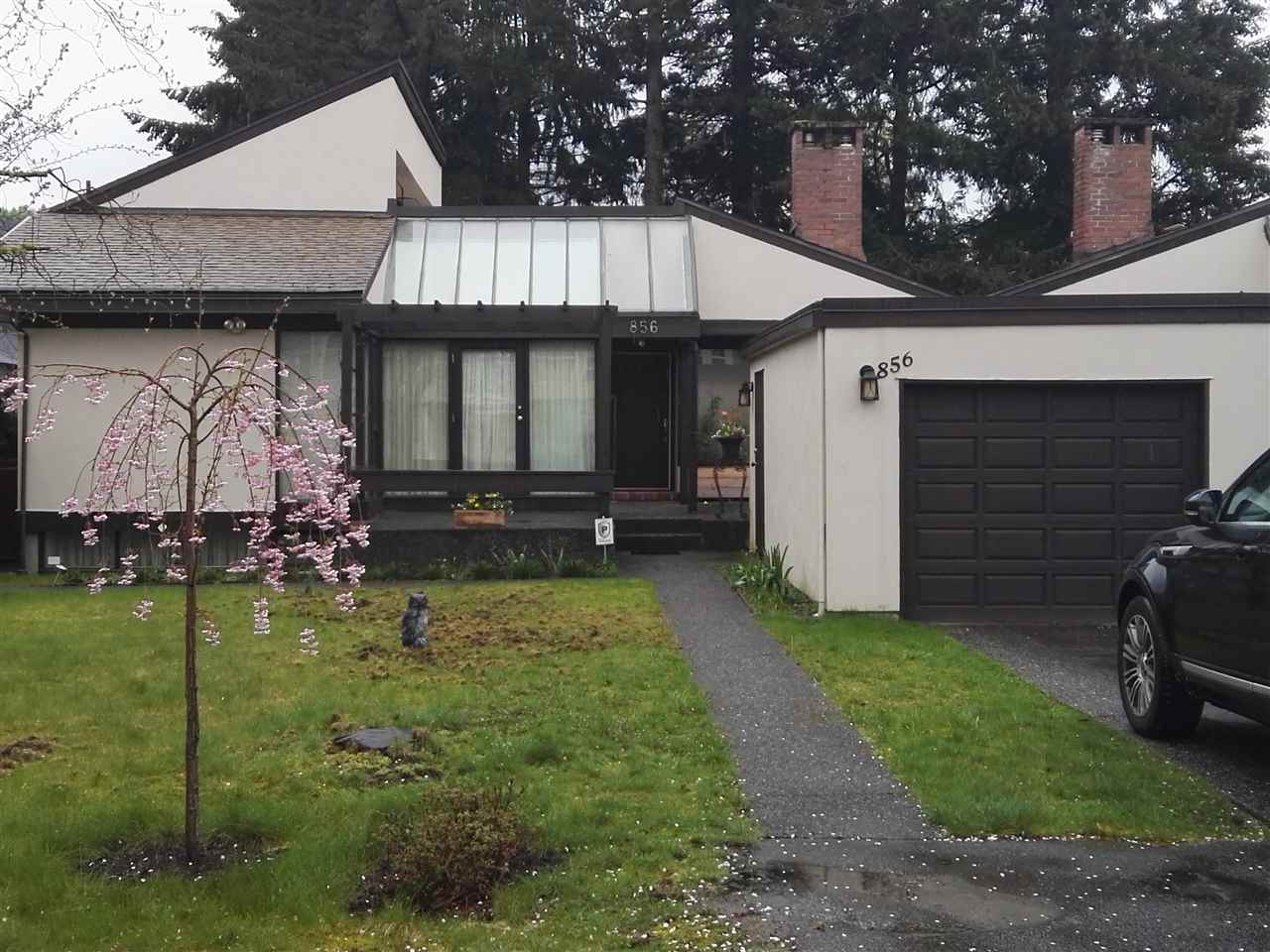 Half-duplex at 856 CLIFF AVENUE, Burnaby North, British Columbia. Image 1