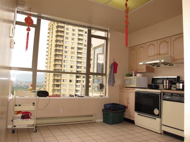 Condo Apartment at 1401 5885 OLIVE AVENUE, Unit 1401, Burnaby South, British Columbia. Image 8
