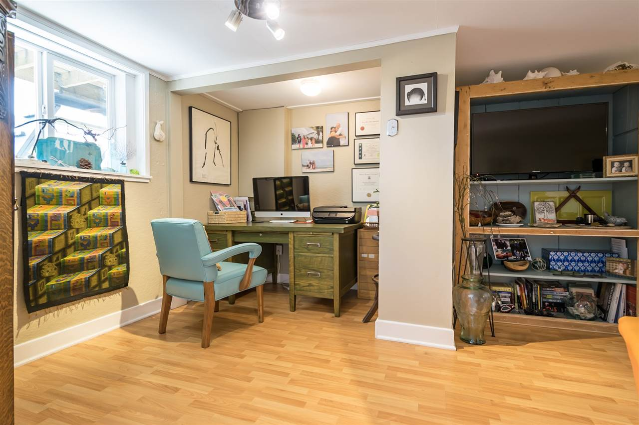 Detached at 1302 HAMILTON STREET, New Westminster, British Columbia. Image 5