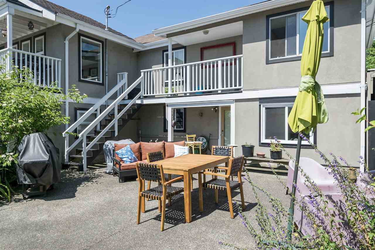Detached at 1302 HAMILTON STREET, New Westminster, British Columbia. Image 18